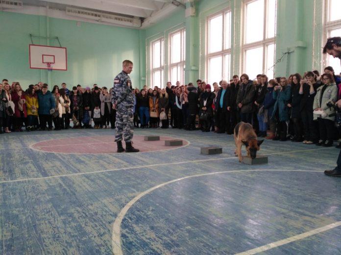 В Новоуральске высадился «Студенческий десант»