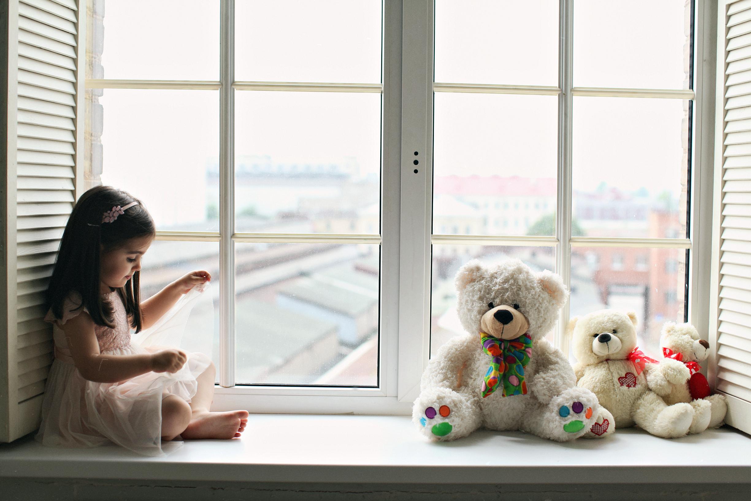 Окно ребенок картинки